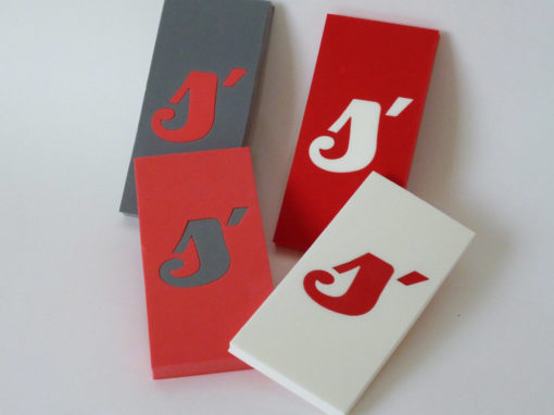 Lettres en mousse de polyéthylène XPE rouge, blanc, gris
