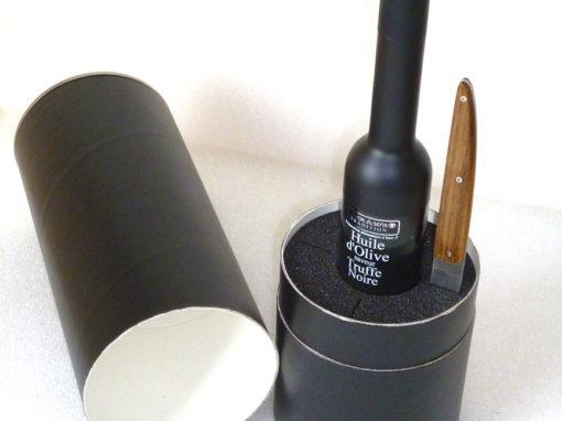 Mousse de calage pour valorisation d'une bouteille d'huile d'olives et d'un couteau