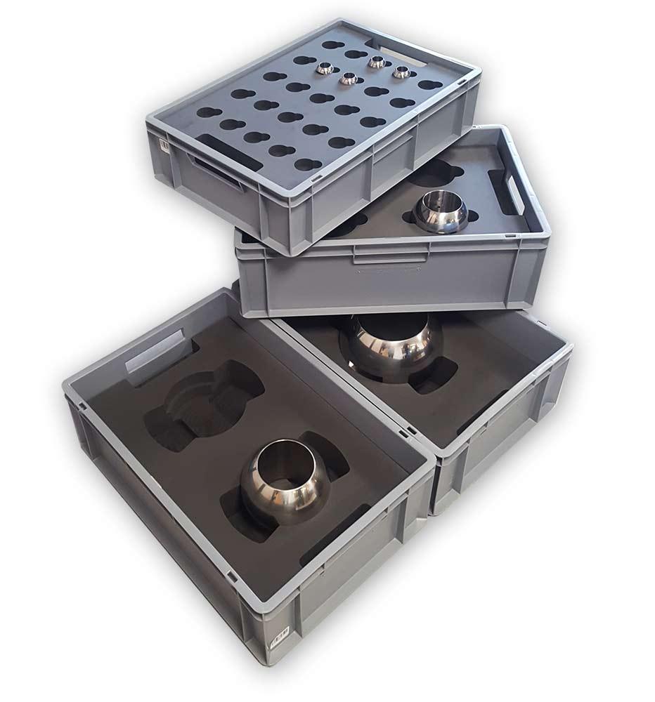 bac plastique gris avec pièce métallique