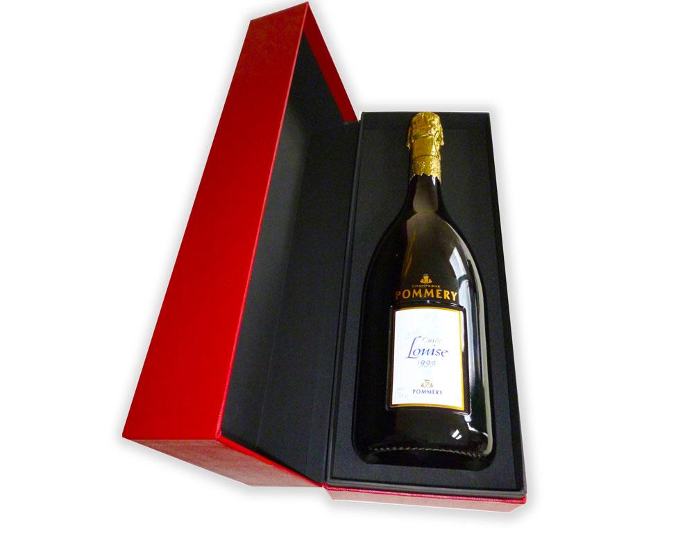 Bouteille de champagne Pommery dans coffret rouge
