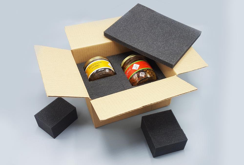 Calage emballage mousse et carton pour pot en verre de tapenade