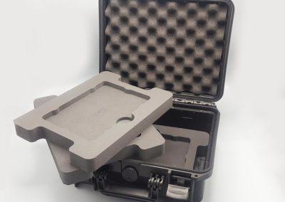 plateaux mousse et valise noire