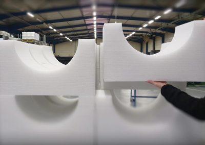 Pièce imposante pour la mécanique en LAM blanc
