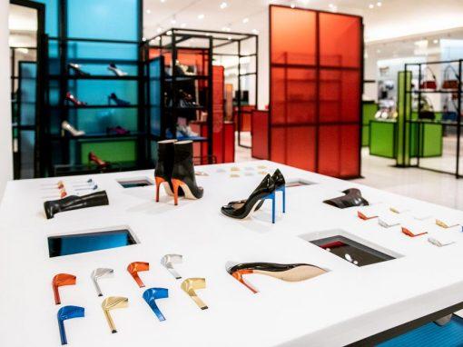 Presentoir chaussure tout en mousse au bon marché à Paris
