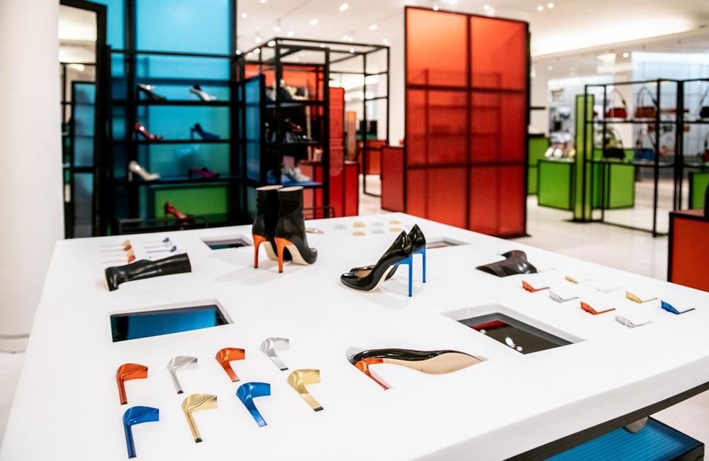 presentoir chaussure en mousse pour Bettina Vermillon