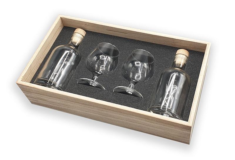 Coffret en bois avec calage mousse, verres et bouteilles
