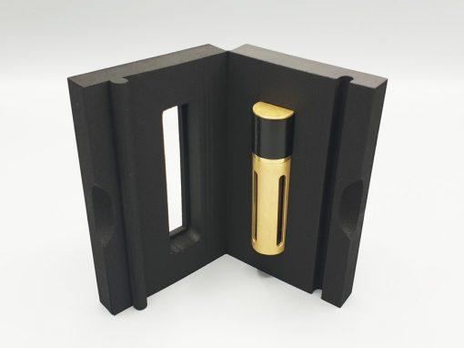 Coffret en mousse rigide noire pour un parfum